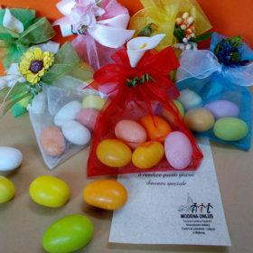 cod.AFI8 Sacchettino in organza con confetti gusto frutta – colore e decoro a scelta