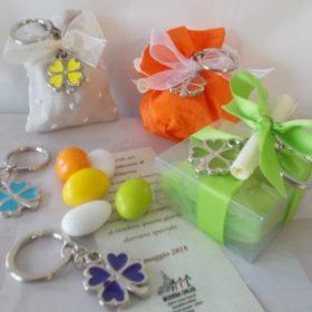 cod.PCH1050 portachiavi quadrifoglio in acciaio smaltato - 6 colori assortiti giallo, verde, azzurro,viola, arancione, bianco