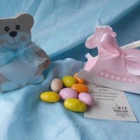 cod.NB810 Portaconfetti a scelta, orsetto o cavallino disponibili nei colori azzurro o rosa