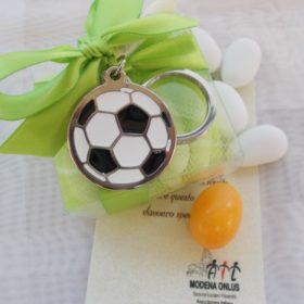 cod.PCH1020 portachiavi in acciaio pallone calcio bicolore - diametro cm.3