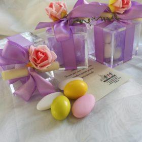 cod.ST141 Scatolina plexiglass 5x5x2cm con fiorellino