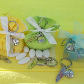 cod.PCH2010 Portachiavi in metallo scarpetta calcio con pallone - 6 colori assortiti