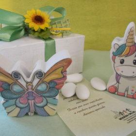 cod.PR20UF Profumatore in resina colorata con box - a scelta unicorno o farfalla - cm. 8x5,5
