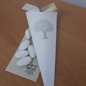 cod.CNTAV Cono portaconfetti in cartoncino colore panna con immagine Albero della Vita - lungh. cm.18