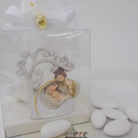 cod.RR7000 Albero della vita con Sacra Famiglia in resina glitterarata - confezionato in box pvc cm.8x9 (2)